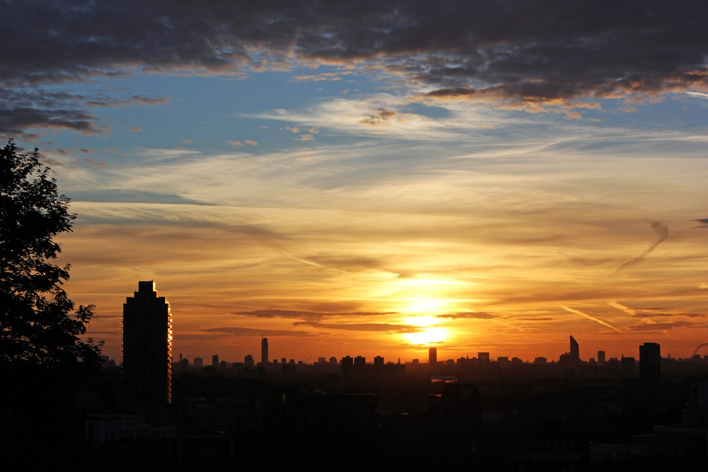 A London Sunset From Point Hill In Photos The Little