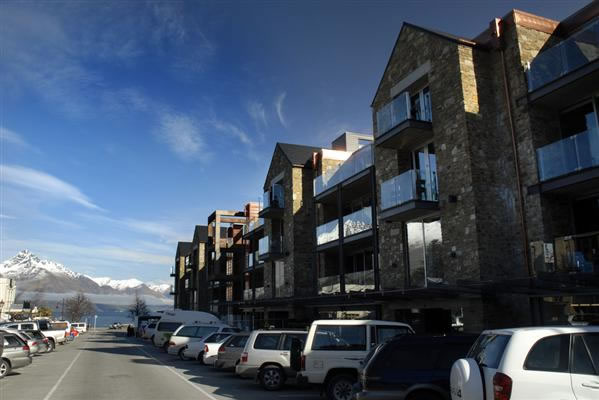 Nomads Hostel Queenstown Review - The Little Backpacker